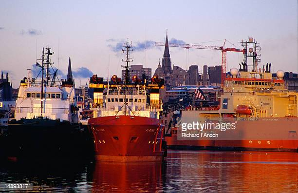 ships at the aberdeen docks from pocra quay. - grampian scotland stock pictures, royalty-free photos & images
