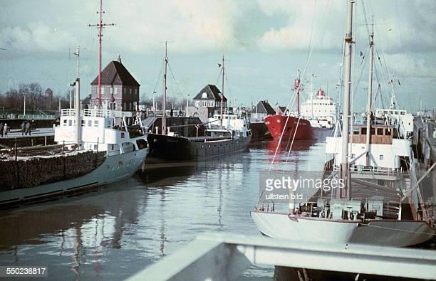 Ships the Wilhelmshaven harbour