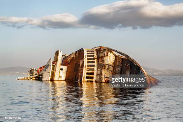 shipwreck at eleusis - ship wreck stock pictures, royalty-free photos & images