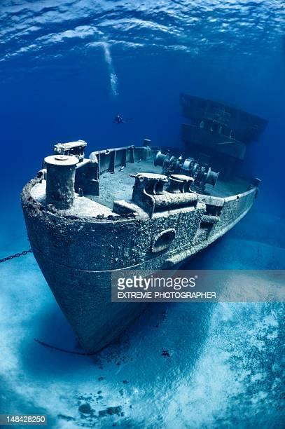 難破船 - 難破 ストックフォトと画像