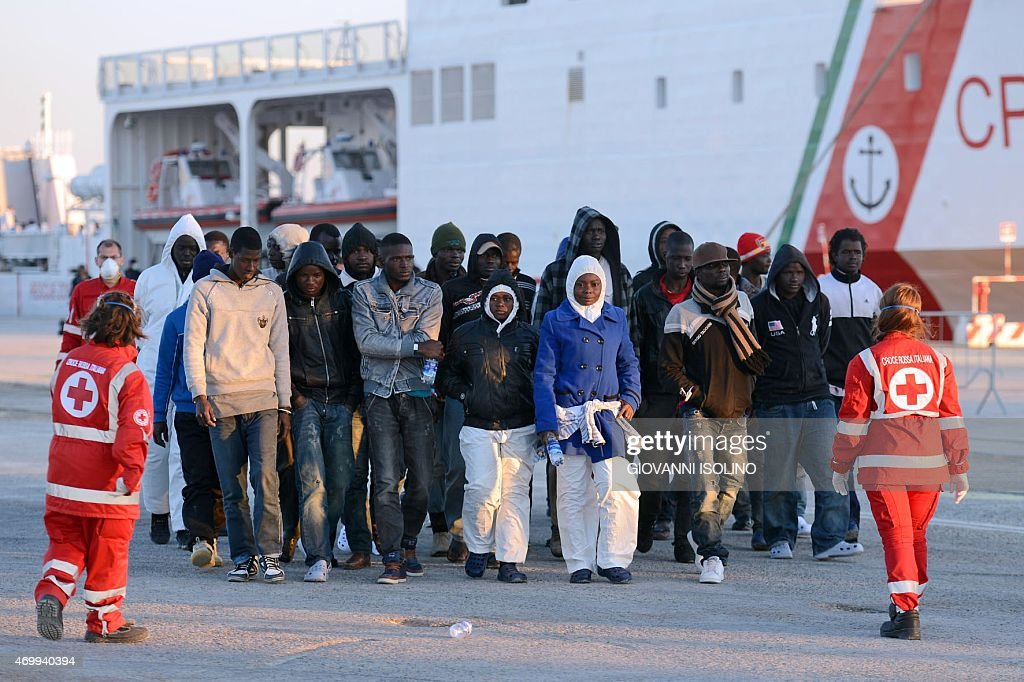 ITALY-IMMIGRATION-SHIPWRECK : News Photo
