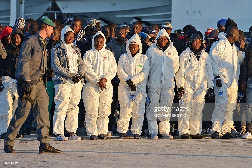 ITALY-IMMIGRATION-SHIPWRECK : Nieuwsfoto's