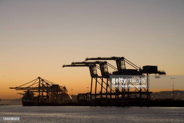 shipyard in the port of oakland - oakland california stock pictures, royalty-free photos & images