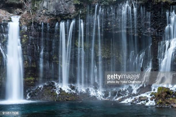 shiraito no taki waterfalls in winter - gennaio foto e immagini stock