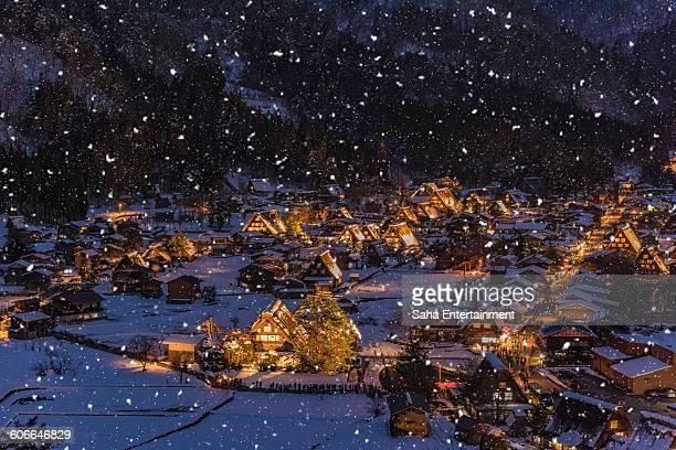shirakawa-go light up with snow - 岐阜県 ストックフォトと画像