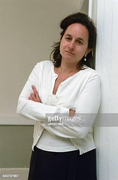 Shirin Chahbaznia Geschäftsfrau aus Hamburg und Inhaberin der auf ihren Namen lautenden Firma