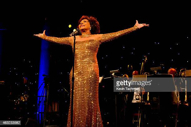 Shirley Bassey performs during the 2015 amfAR New York Gala at Cipriani Wall Street on February 11 2015 in New York City