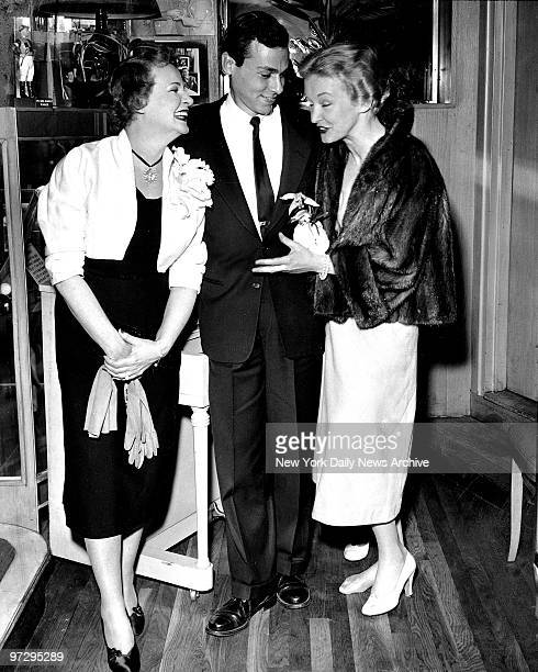 Shirley Booth Jimmy Lipton and Nina Foch at PreAnniversary Academy Award Party at Pen Pencil Restaurant at 205 East 45th Street Booth is nominated...
