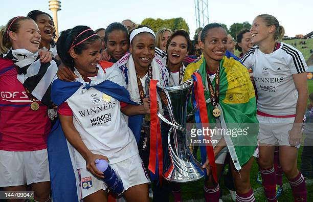 Shirley Cruz Trana of Olympique Lyonnais celebrates with team mates after winning the UEFA Women's Champions League Final at Olympiastadion on May 17...