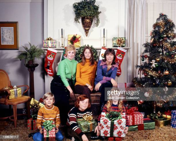 Shirley Jones US actress and singer Susan Dey US actress David Cassidy US actor and singer Brian Forster US actor Danny Bonaduce US actor and Suzanne...