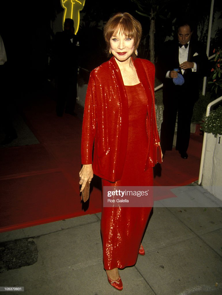 https://media.gettyimages.com/photos/shirley-maclaine-during-64th-annual-academy-awards-swifty-lazars-post-picture-id105370931