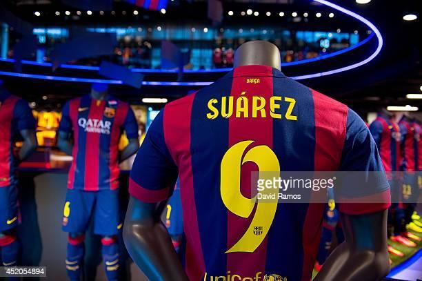 sports shoes 54d59 68611 Luis Suarez Barcelona Shirts On Sale Premium Pictures ...