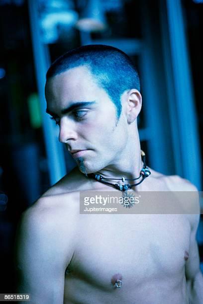 shirtless man - brustwarzen piercing stock-fotos und bilder