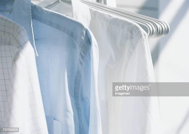 shirts on hangers - 乾かす ストックフォトと画像