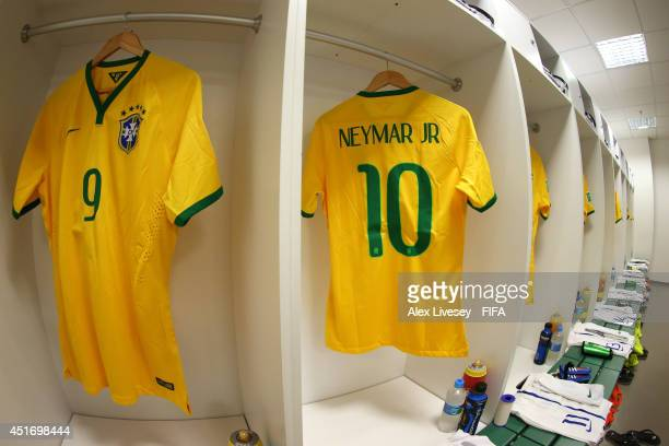 Neymar Locker Room Stock Photos And Pictures