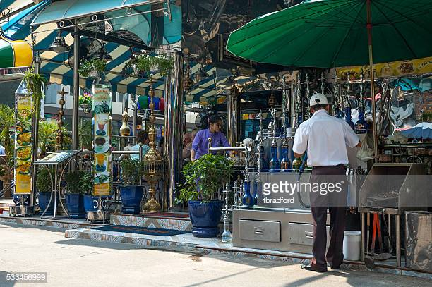 shisha-bar in bangkok, thailand - shisha bar stock-fotos und bilder