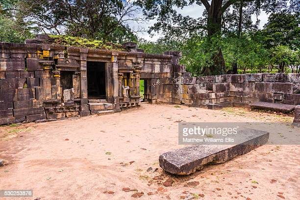shiva devale no 1, ruins of a hindu temple, polonnaruwa, unesco world heritage site, sri lanka, asia - lanka stock pictures, royalty-free photos & images