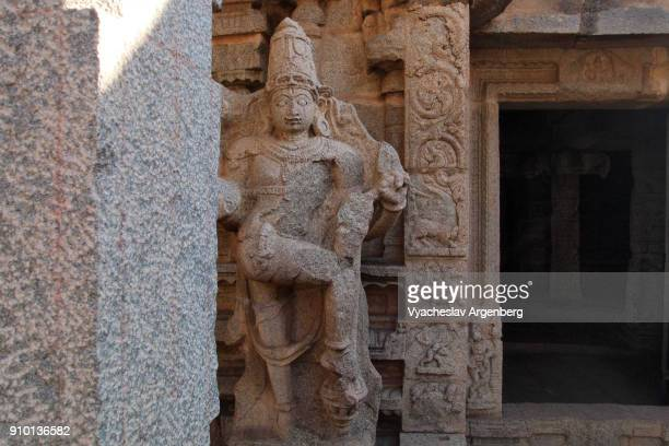 shiva image carved from stone, hampi, karnataka, india - argenberg ストックフォトと画像