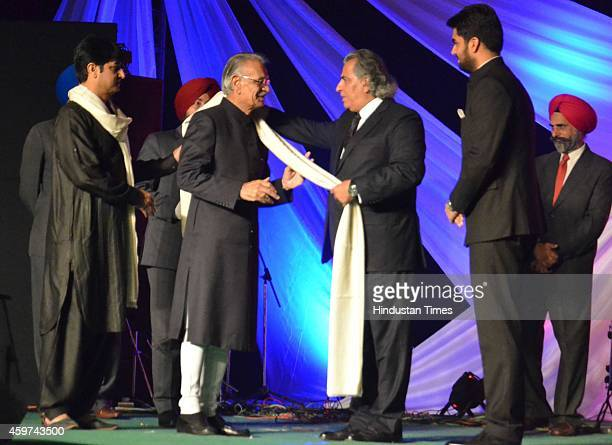 Shivraj Patil governor of Punjab honored by Pakistani artist during the 11th AmritsarLahore peace festival 'Saanjh' became a platform for Indian and...