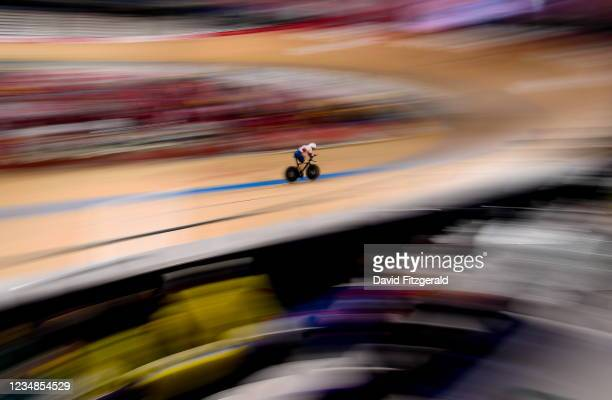 Shizuoka , Japan - 25 August 2021; Dame Sarah Storey of Great Britain on her way to setting a new world record in the Women's C5 3000m Individual...