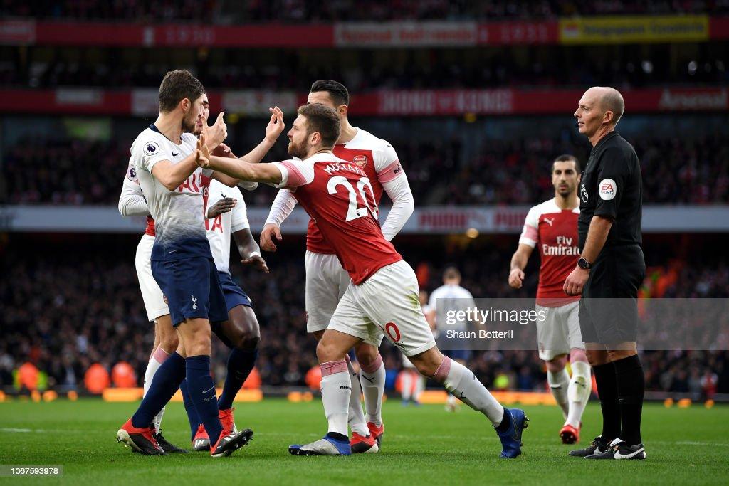 Arsenal FC v Tottenham Hotspur - Premier League : ニュース写真