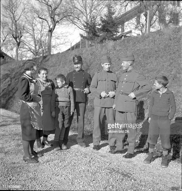 Söhne zu Hause auf Urlaub Aktivdienst 1939