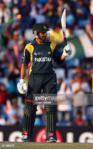 Shoaib Malik acknowleges his 100t during The ICC Champions Trophy Group A Match between India and Pakistan on September 26 2009 at The Supersport...