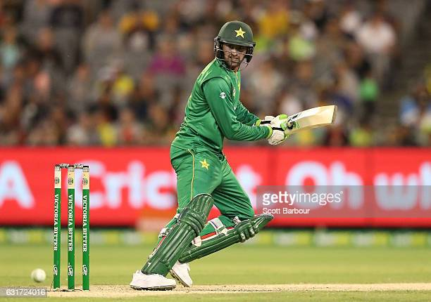 Shoaib Malik of Pakistan bats during game two of the One Day International series between Australia and Pakistan at Melbourne Cricket Ground on...