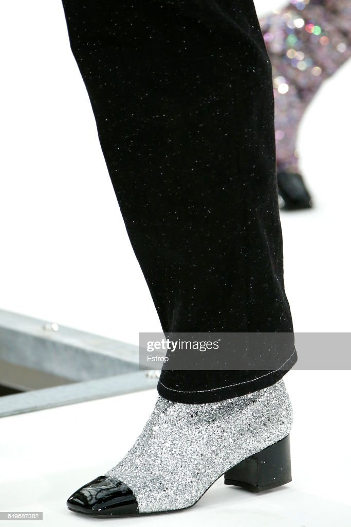 Chanel : Details - Paris Fashion Week Womenswear Fall/Winter 2017/2018 : News Photo