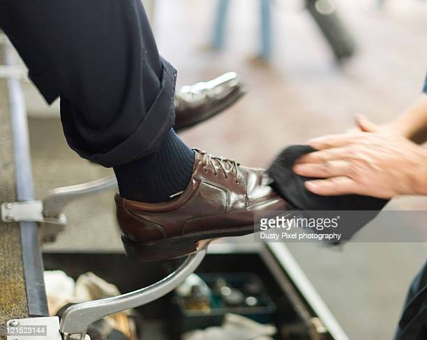 shoe shine - brogue stock pictures, royalty-free photos & images