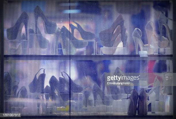 shoe store window, izmir - emreturanphoto stock pictures, royalty-free photos & images