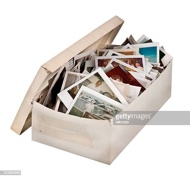 shoebox of old photos too - foto stockfoto's en -beelden