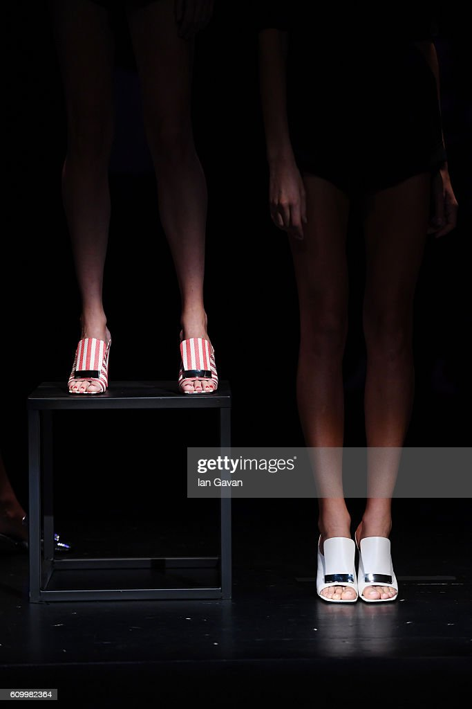Sergio Rossi SS17 The Reveal Of An Amazing Story - Performance - Milan Fashion Week SS17 : News Photo