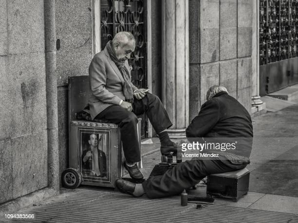 Shoeshine of Gran Vía street