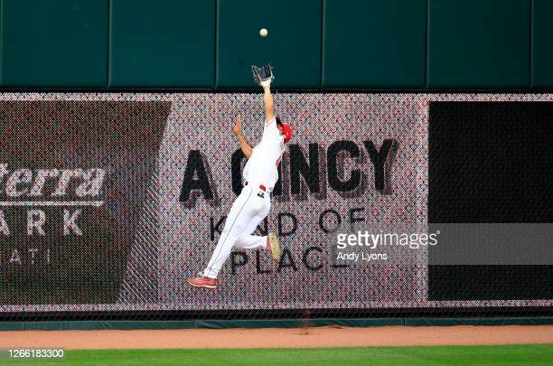 Shogo Akiyama of the Cincinnati Reds catches a fly ball against the Pittsburgh Pirates at Great American Ball Park on August 13, 2020 in Cincinnati,...