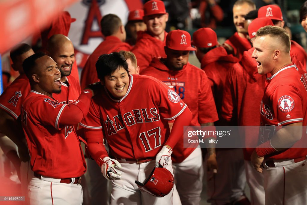 Cleveland Indians  v Los Angeles Angels of Anaheim : ニュース写真