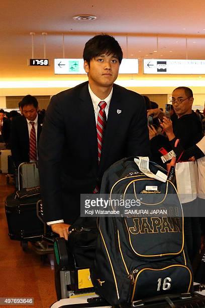 Shohei Ohtani of Japan arrives at Haneda airport ahead of the WBSC Premier 12 semi final match against South Korea at the Tokyo Dome on November 18...