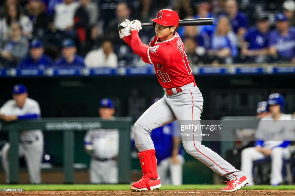 Shohei Ohtani #17 of the Los Angeles Angels hits the ball against the Kansas City Royals during the eighth inning at Kauffman Stadium on April 13, 2018 in Kansas City, Missouri.