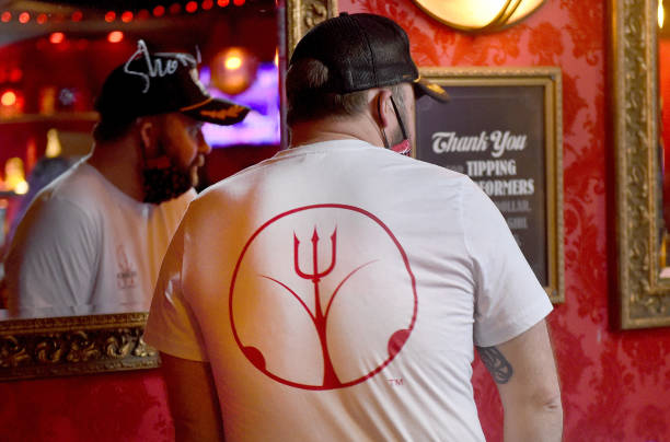 OR: Strip Club Keep Business Open Using Dancers As Food Delivery Staff
