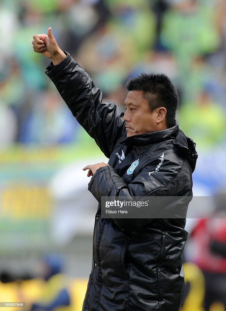 Shonan Bellmare manager Cho Kwi Jae looks on during the J.League match between Yokohama F.Marinos and Shonan Bellmare at Nissan Stadium on March 2, 2013 in Yokohama, Kanagawa, Japan.