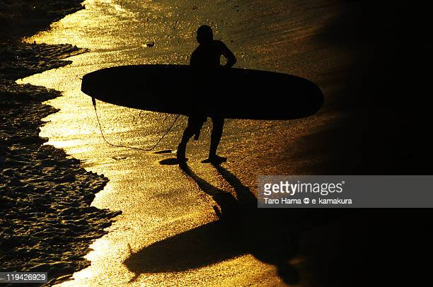 Shonan surfer