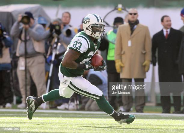 Shonn Greene of the New York Jets in action against the New York Giants on December 24, 2011 at MetLife Stadium in East Rutherford, New Jersey. The...