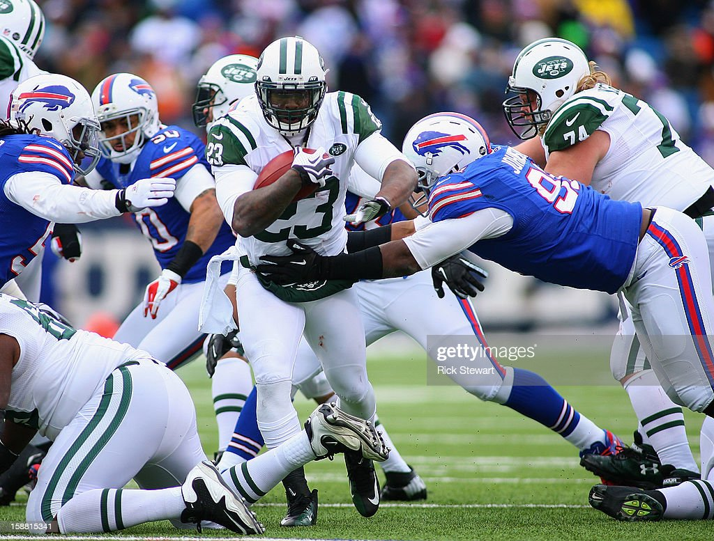 Shonn Greene #23 of the New York Jets runs against the Buffalo Bills at Ralph Wilson Stadium on December 30, 2012 in Orchard Park, New York.