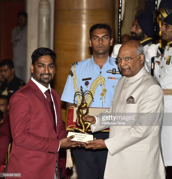 Shooter Ankur Mittal receives Arjuna Award 2018 for his achievements in shooting from President Ram Nath Kovind at National Sports and Adventure...