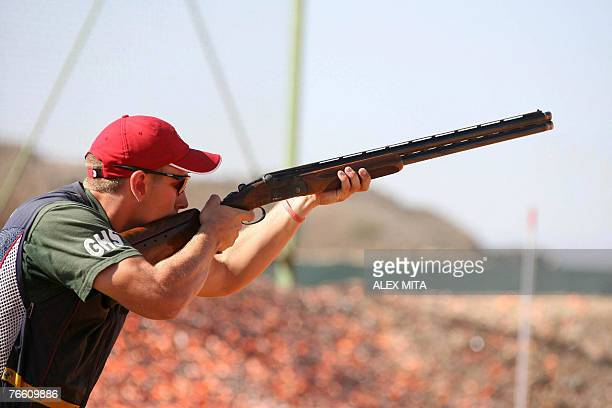 US shooter Vincent Hancock prepares to shoot during the men's skeet final of the ISSF World Shooting Championships in Nicosia 09 September 2007 AFP...
