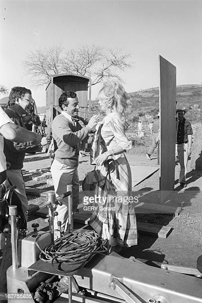 Shooting In Mexico Of The Film 'Viva Maria' By Louis Malle With Jeanne Moreau And Brigitte Bardot Mexique 612 mars 1965 Tournage du film 'VIVA MARIA'...