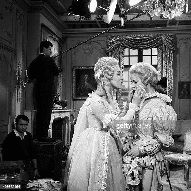 Shooting of a scene of the 'Marriage of Figaro' with Anouk Ferjac and Marie José Nat