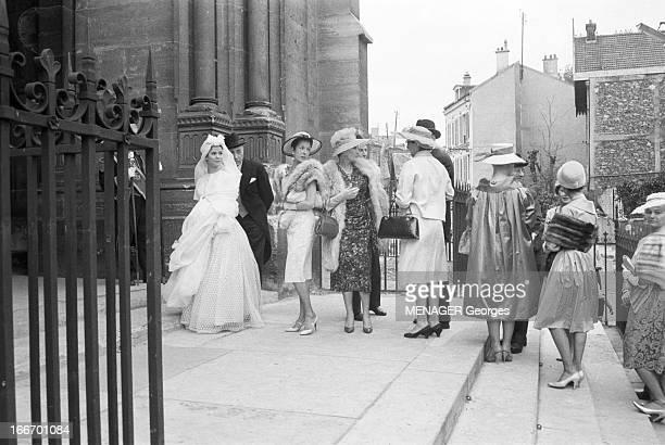 Shooting Of The Comunity Film 'La Francaise Et L'Amour' 1960 Avril Sur le tournage d'un film collectif avec entre autre un sketch de René Clair avec...