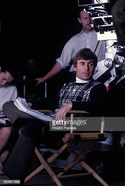 Shooting Of The Film 'A Coeur Joie' By Serge Bourguignon En 1966 à la National Gallery de Londres lors du tournage de son film 'A coeur joie' le...