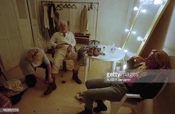 Shooting Of The Film 'Amazone' By Philippe De Broca In Cuba Cuba 4 octobre 1999 sur le tournage du film 'Amazone' de Philippe DE BROCA Dans sa loge...